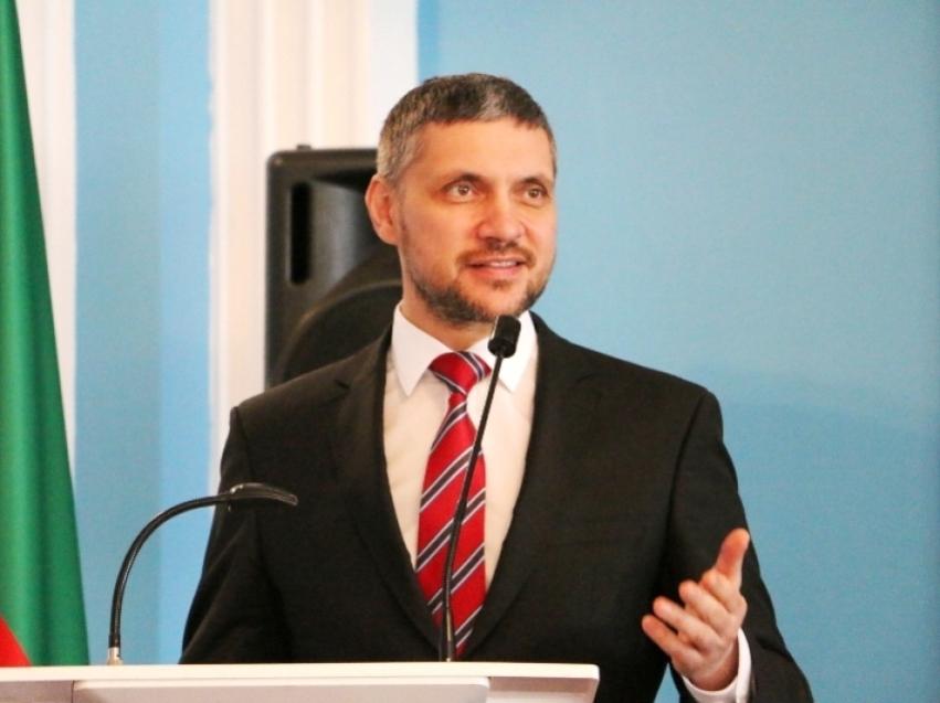Александр Осипов поздравил сотрудников службы безопасности с профессиональным праздником