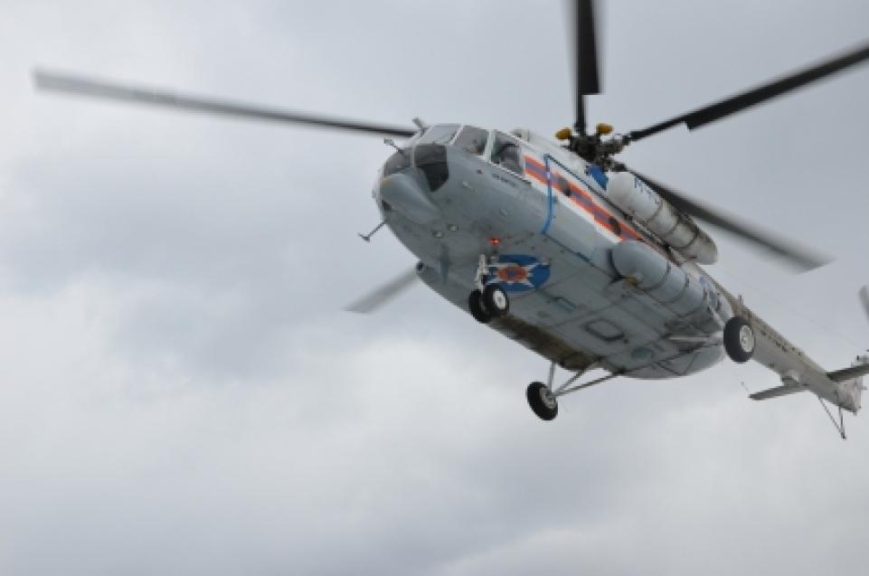 Вертолет Ми-8 МЧС России прибыл в Забайкалье для тушения пожаров