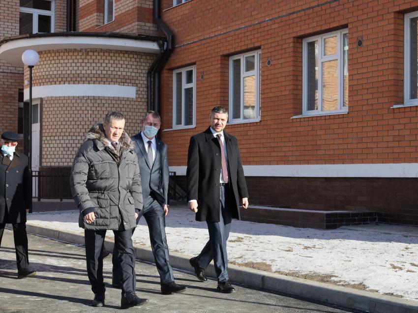 Полпред в ДФО Юрий Трутнев проверил новый детский сад в Забайкалье