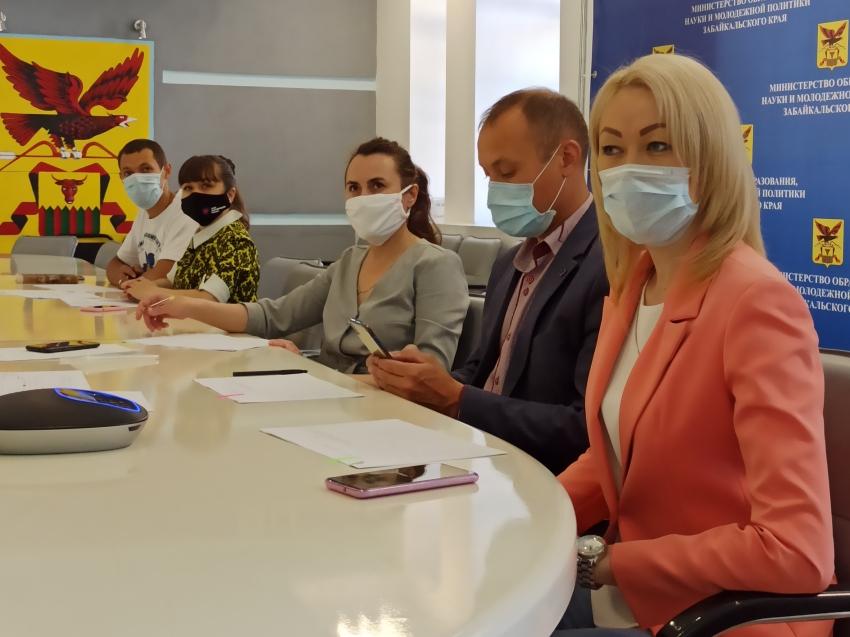В Забайкалье завершился региональный этап Всероссийского конкурса волонтёрских инициатив «Доброволец России – 2020»