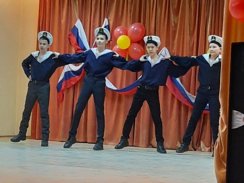 Забайкальский транспортный техникум отметил День воссоединения Крыма с Россией массовым мероприятием