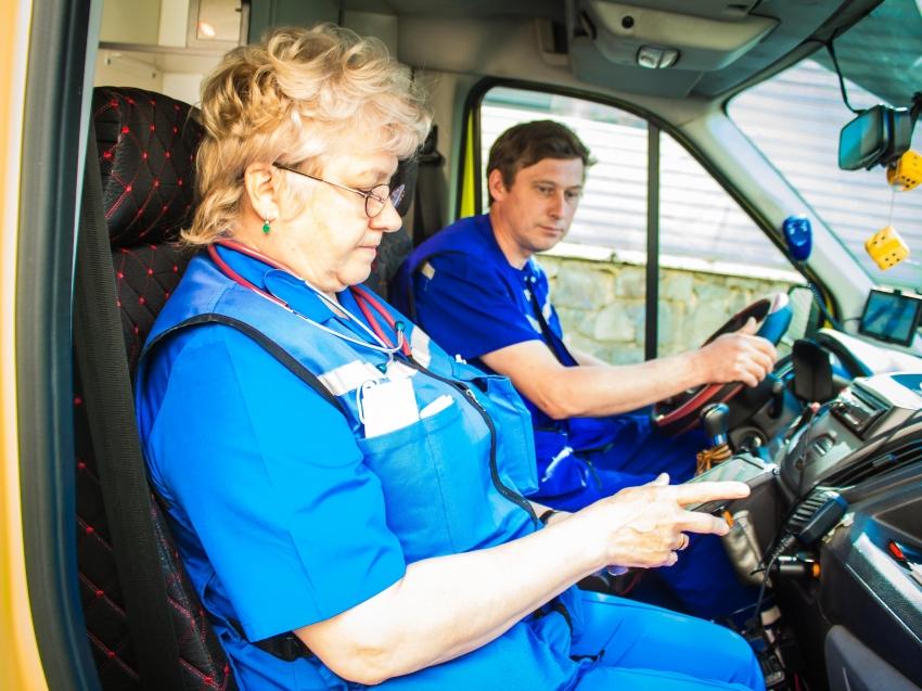 Бригады скорой медицинской помощи в Чите оснастили современными кардиографами