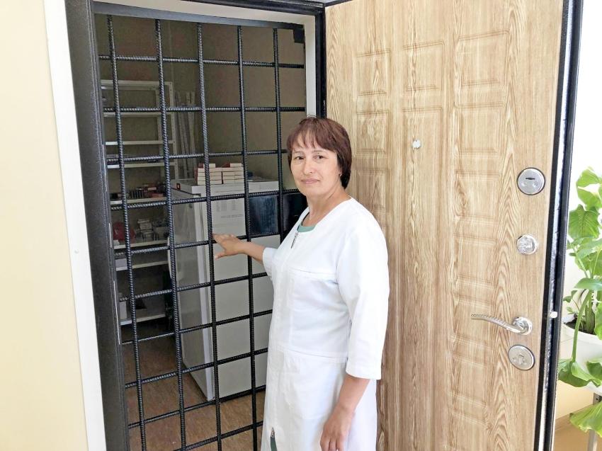 Краевой Минздрав ищет земских докторов и фельдшеров
