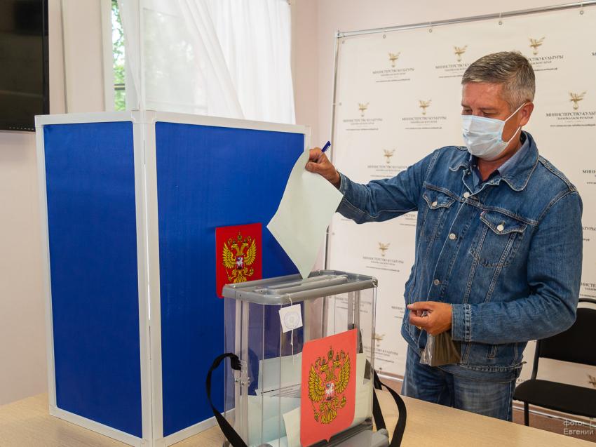 Избирком Забайкалья: На 12 часов дня явка избирателей в регионе превысила 51%