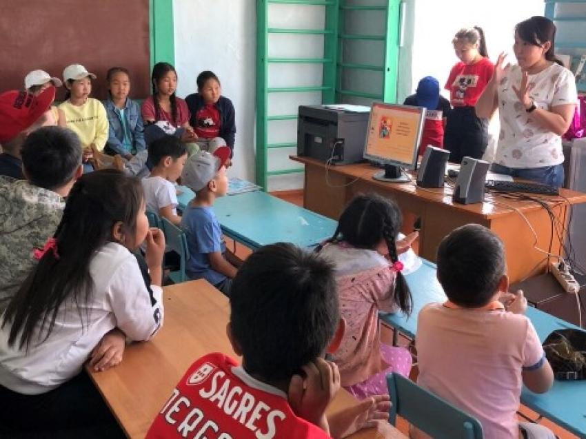 Даши Намдаков инициировал в Забайкалье обучение детей бурятскому языку