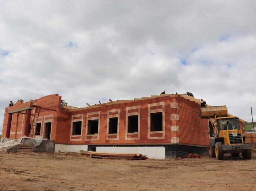 Новый дом культуры возводят в Цаган-Челутае Могойтуйского района с опережением графика