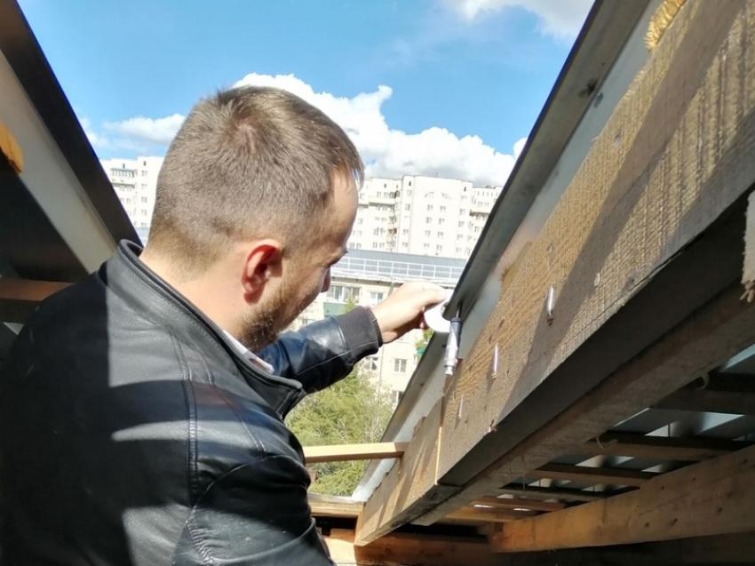 Фонд капремонта проконтролировал работы по ремонту двух крыш в Чите