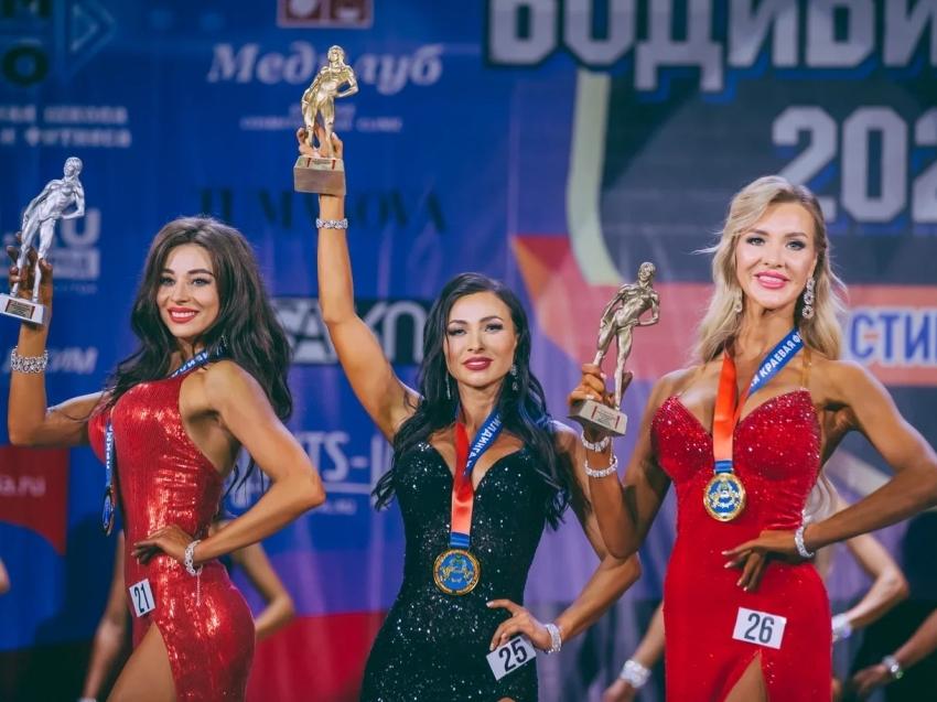 Фитнес-модель из Забайкалья стала абсолютной чемпионкой на межрегиональном чемпионате