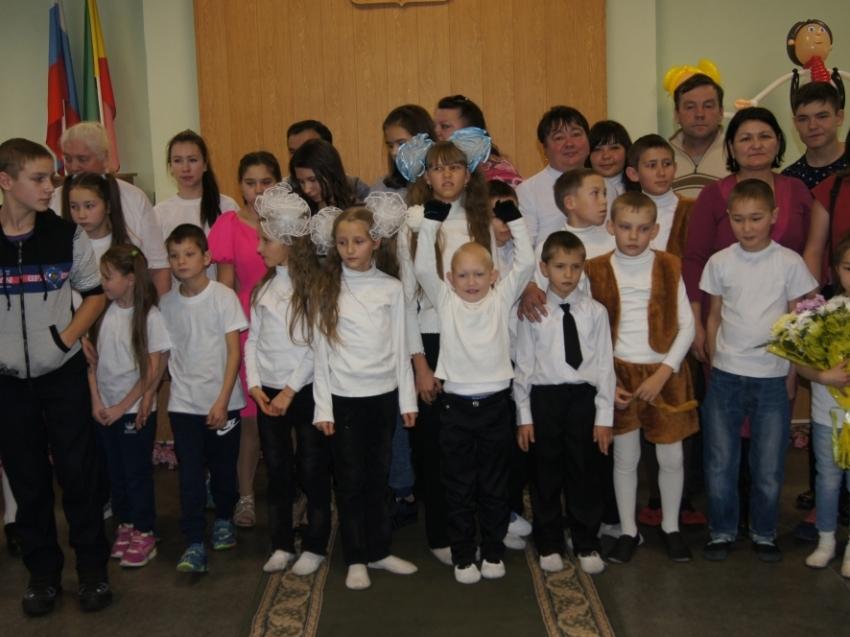 Забайкальские опекуны и попечители в январе получат из бюджета 44 миллиона рублей