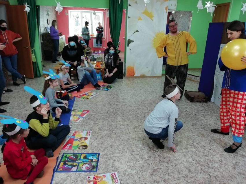 Читинские дети с ОВЗ поучаствовали в спектакле «Колобок»