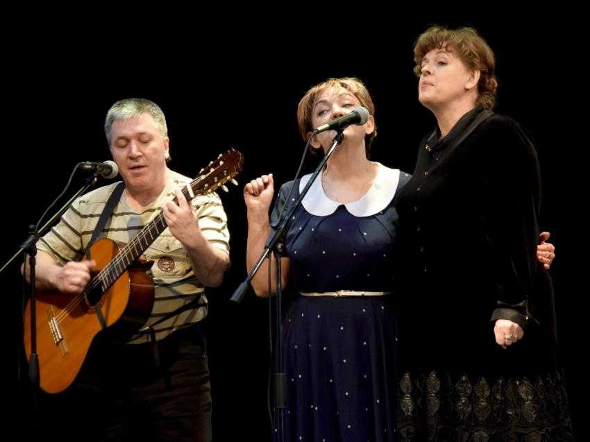 Артисты драмтеатра и искровский клуб гитарной песни проведут бесплатный концерт с песнями военных лет