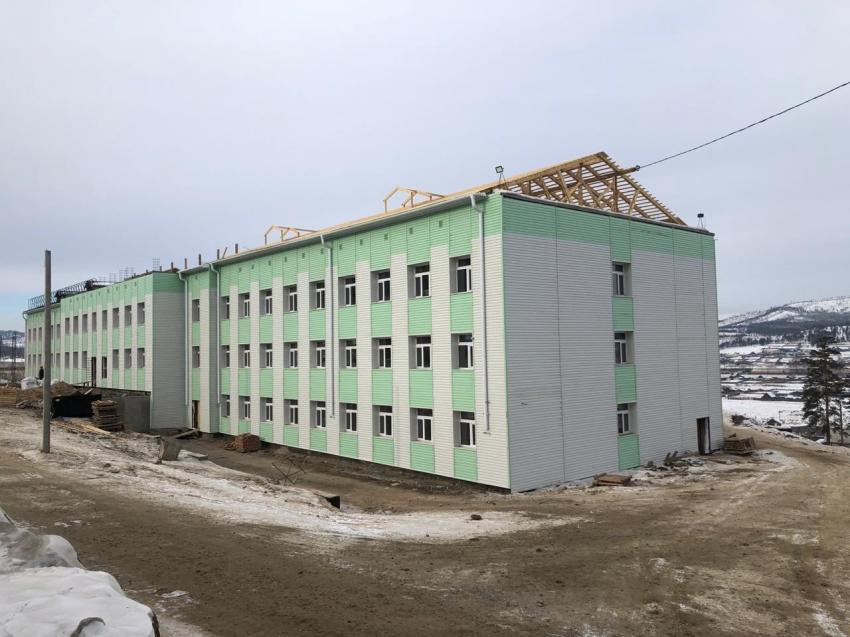 Отопление запустили в двух блоках строящейся школы на 400 мест в забайкальском селе Баляга