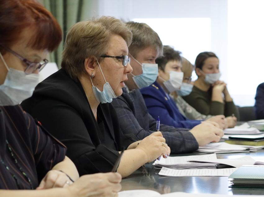 Минфин отчитался о социальных выплатах забайкальским семьям за март