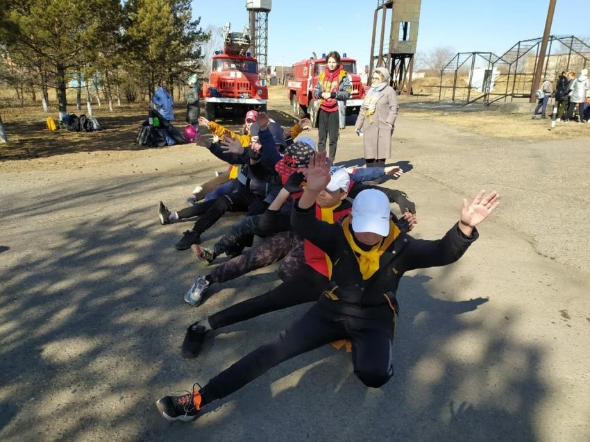 Более 300 юных пожарных города Читы стали участниками соревнований «Маршрут выживания»