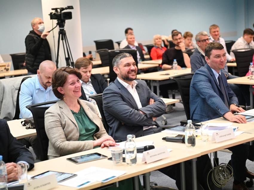 Команда Читы успешно прошла промежуточную защиту проектов развития города в СКОЛКОВО