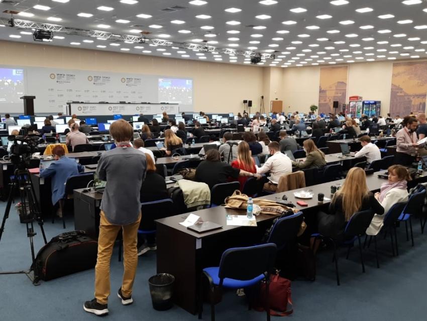 ПМЭФ-2021: Глава Минсельхоза РФ обсудил с губернатором Забайкалья точки роста АПК региона