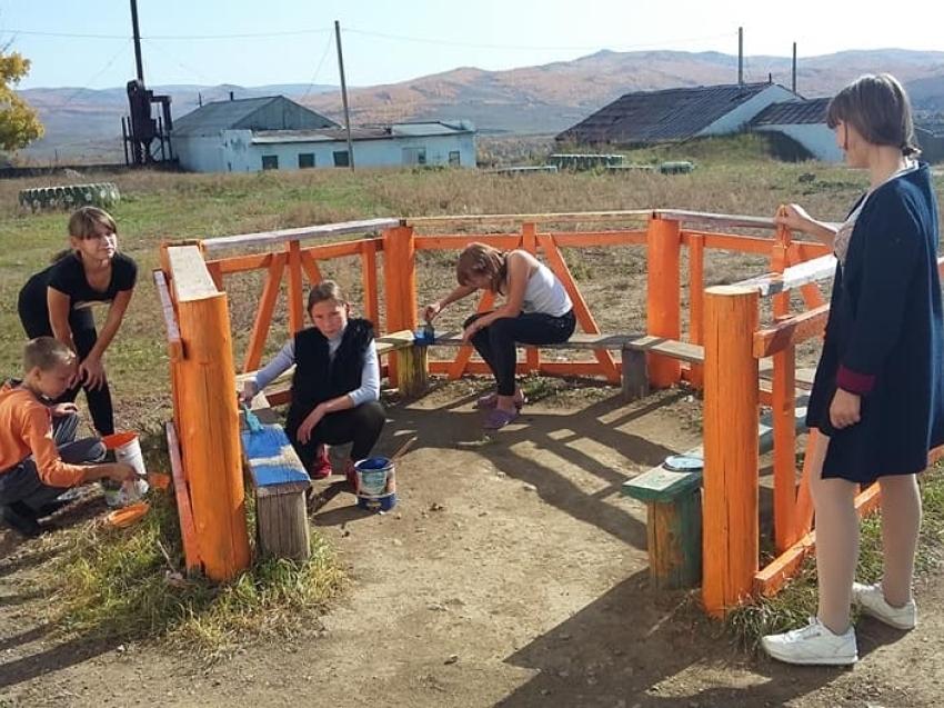 Работа в свободное от учёбы время - более 700 подростков трудоустроено в Забайкалье