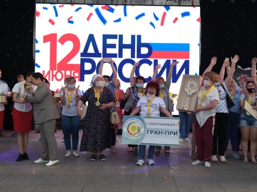 Обладателю гран-при фестиваля «Люди и солнце» вручили сертификат на 180 тысяч рублей