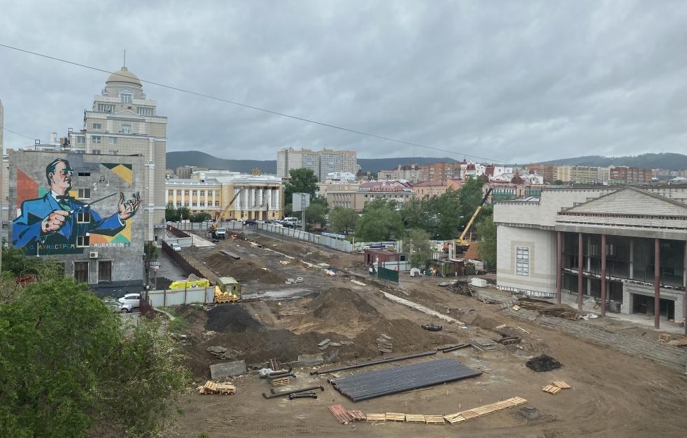 Завершается ремонт теплотрассы в районе Театральной площади в столице Забайкалья