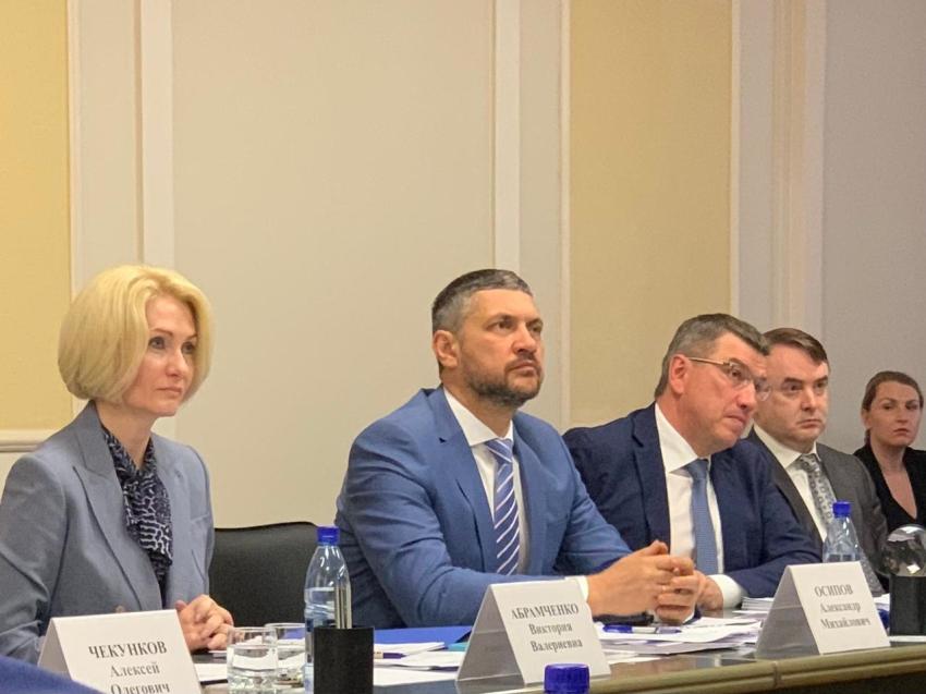 Вопросы развития и декриминализации лесной отрасли подняла в Чите вице-премьер Виктория Абрамченко
