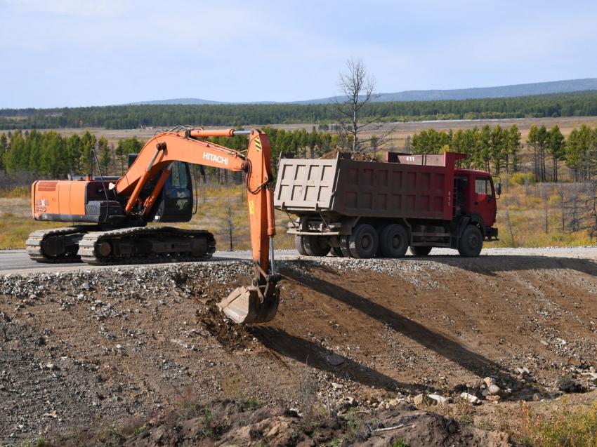 Временные ограничения для большегрузов ввели на дорогах в районах Забайкалья, где действует режим ЧС
