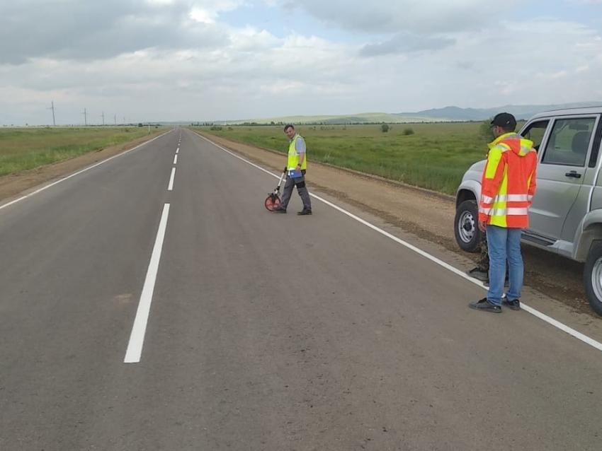 Дорожники готовят к сдаче отремонтированный по нацпроекту участок дороги в Борзинском районе
