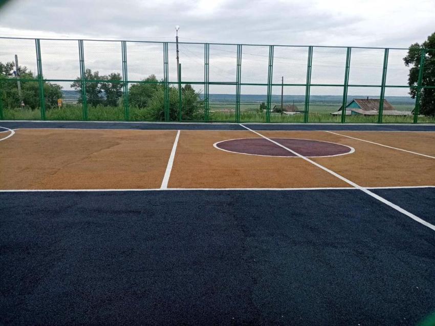 Строительство спортивной площадки завершилось в Агинском районе