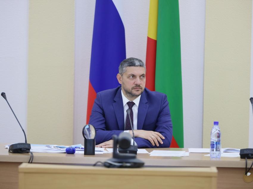 Александр Осипов поручил главам районов Забайкалья усилить работу по снижению заболеваемости COVID-19