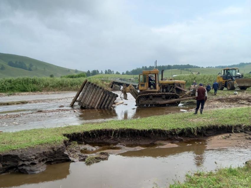 Дорожники приступили к обеспечению проезда по региональной дороге Чернышевск-Букачача