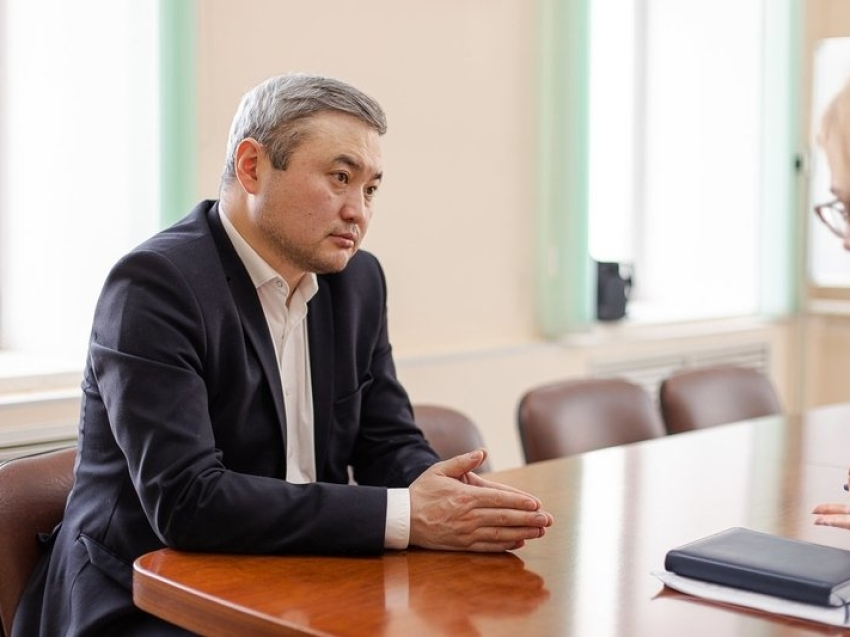 Александр Бардалеев: В селе Харауз  завершается строительство новой спортплощадки
