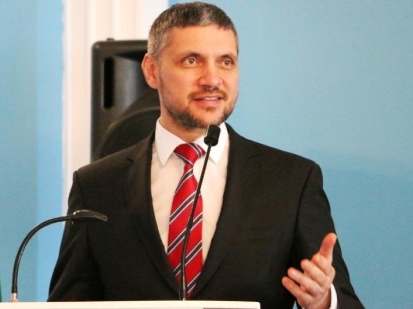 Александр Осипов поздравил забайкальцев с Днём государственного флага