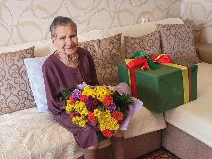Жительница Читы встретила столетний юбилей песней