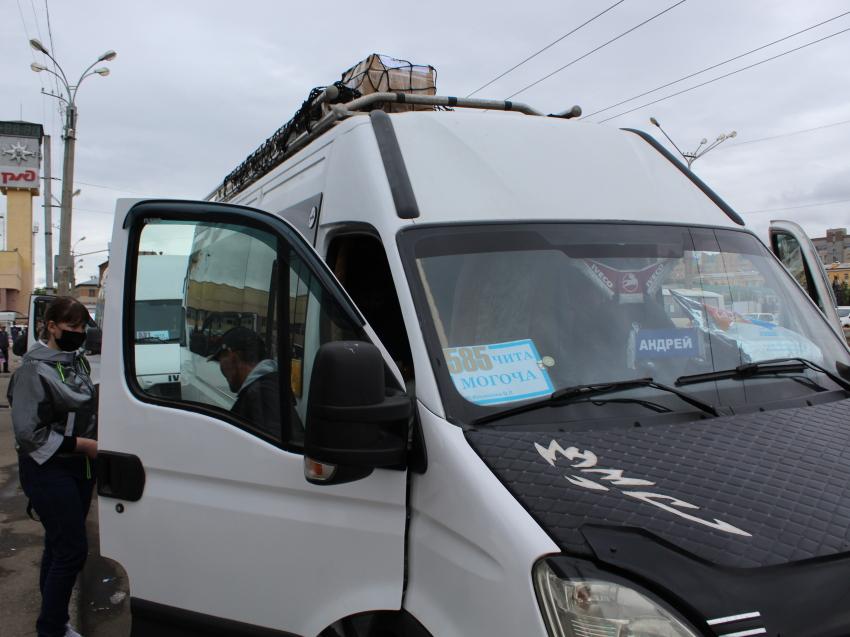 Пассажиров почти трёх тысяч автобусов проверили на соблюдение масочного режима за месяц в Чите