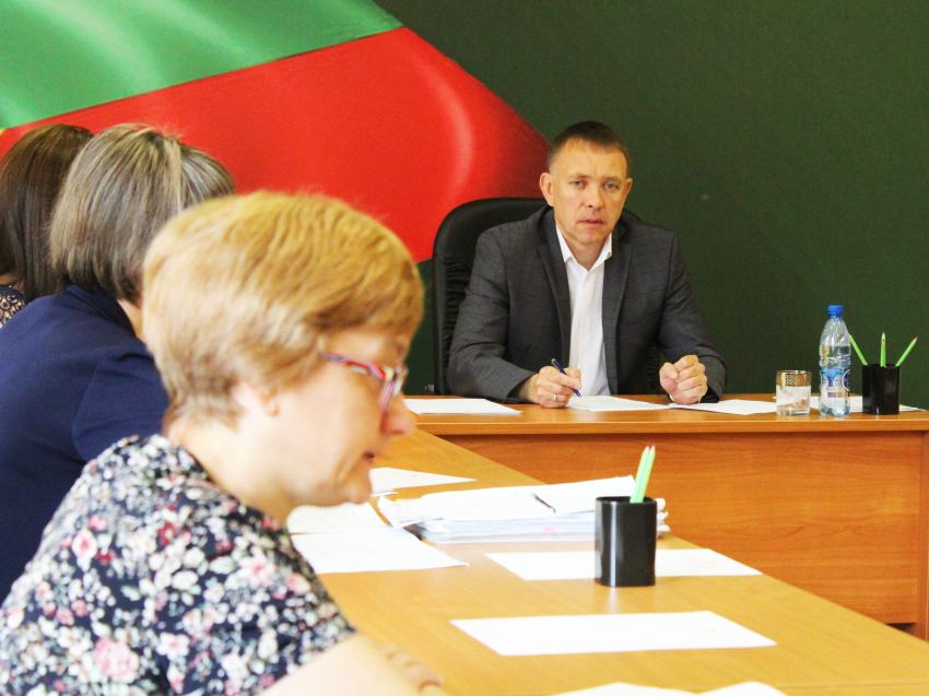 Итоги работы подвели на совещании в департаменте под конец месяца