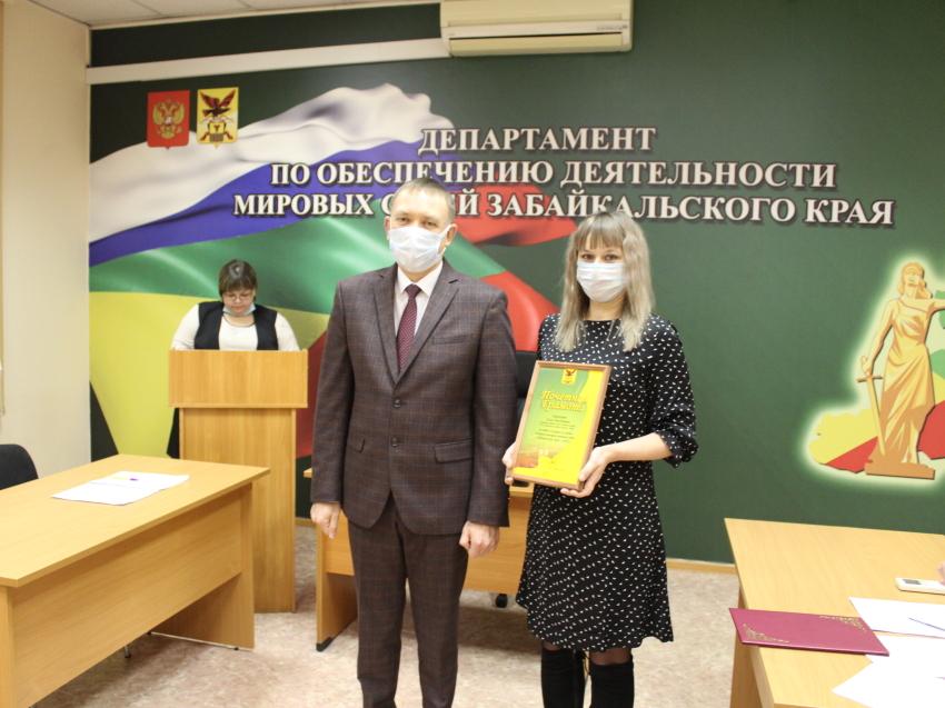 Ступень за ступенью. Как Елена Старчекова стала лучшим помощником мирового судьи?
