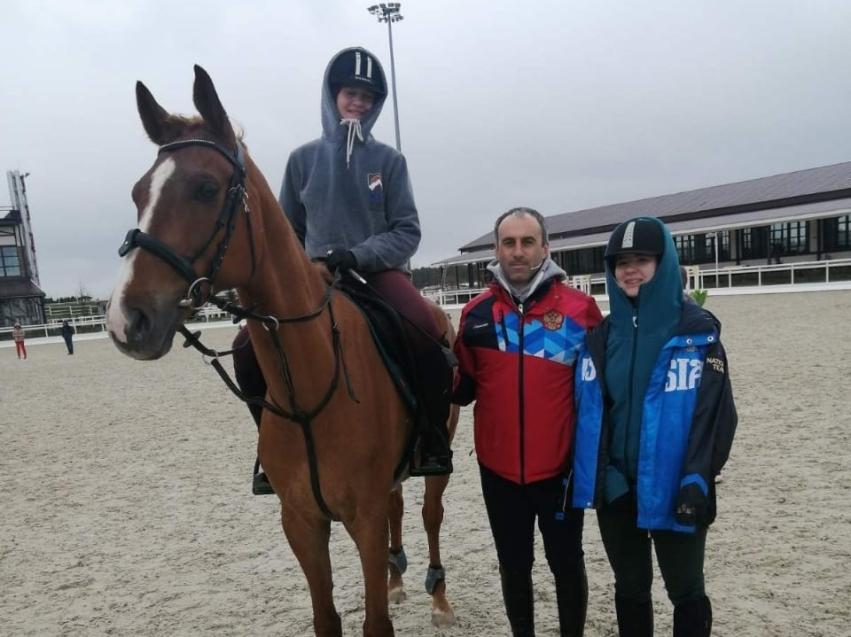Юные читинки впервые участвуют в финале Всероссийских соревнований по конному спорту