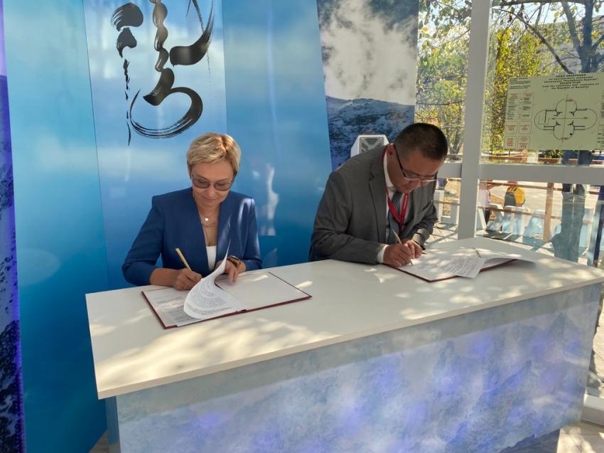 Забайкальский край и Бурятия подписали соглашение о сотрудничестве в сельском хозяйстве