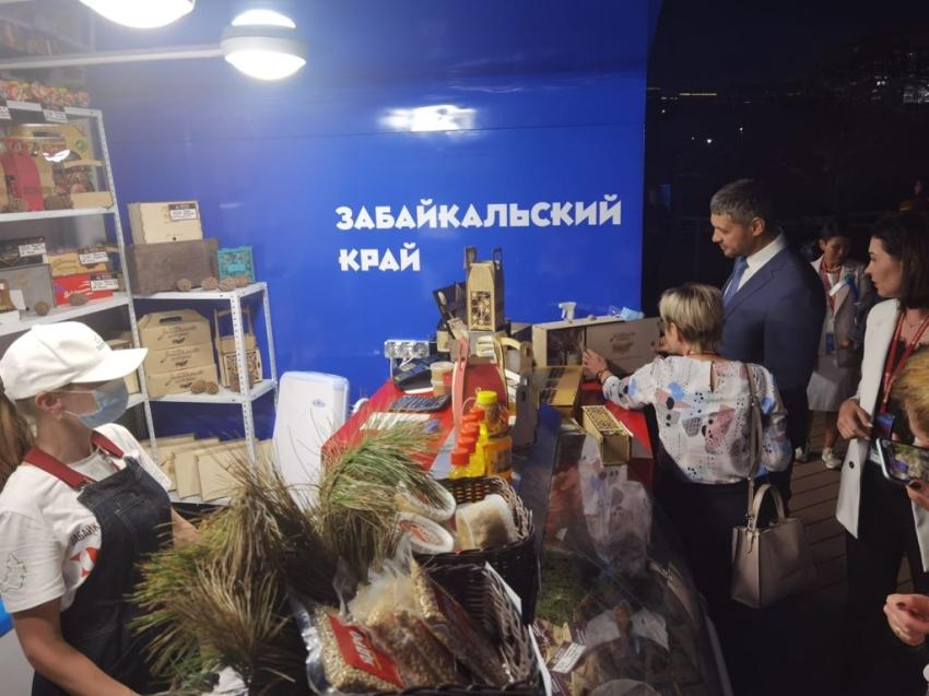 Свыше 600 килограммов продукции реализовали товаропроизводители Забайкалья на ВЭФ