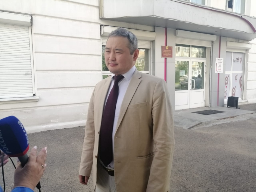 Александр Бардалеев: Встал пораньше, проголосовал перед командировкой