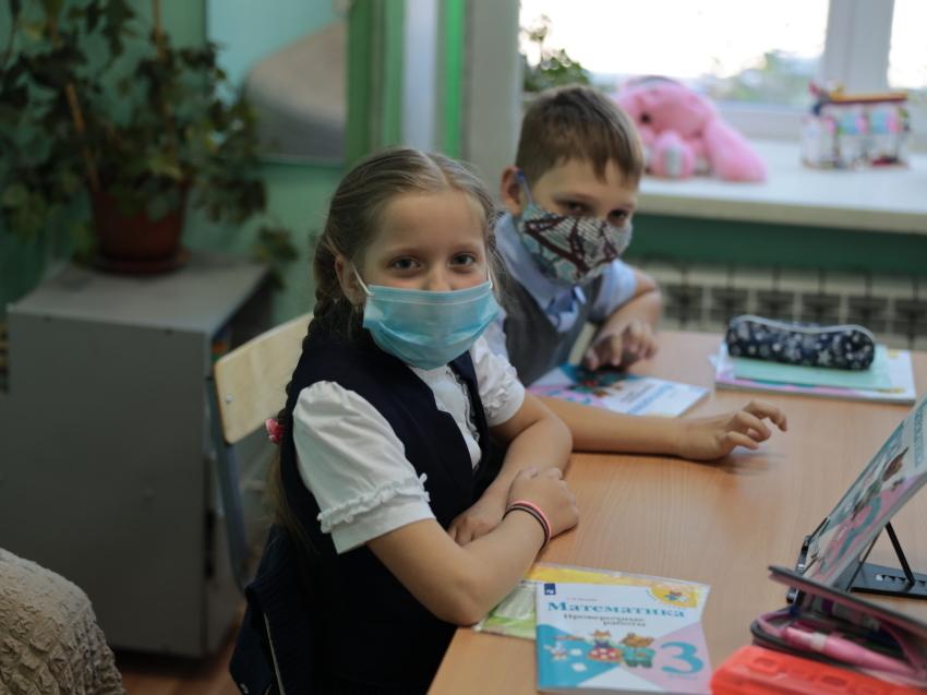 Роспотребнадзор Забайкалья предложил перевести школы на дистанционное обучение в конкретных населенных пунктах