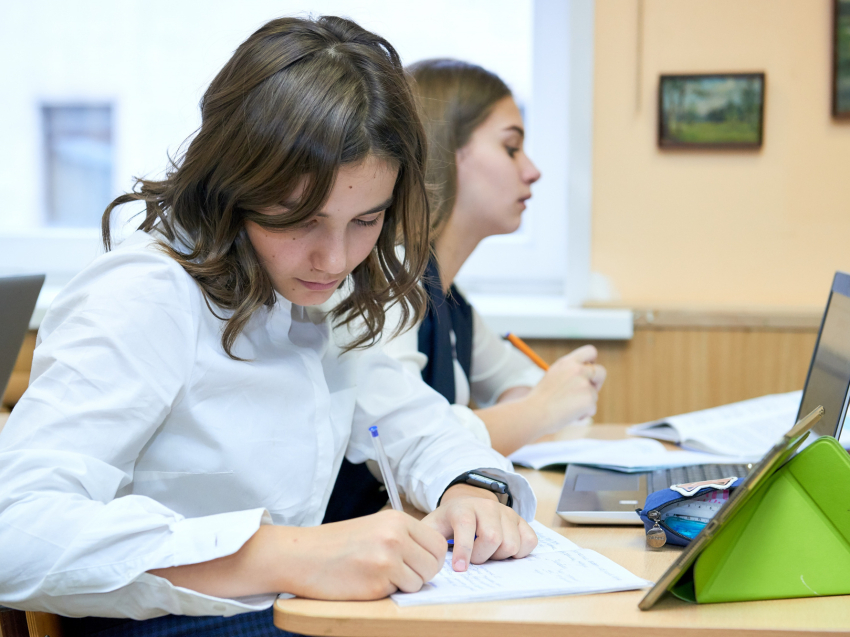В Забайкалье определили 13 лучших школьных сочинений в конкурсе «Родное Забайкалье»