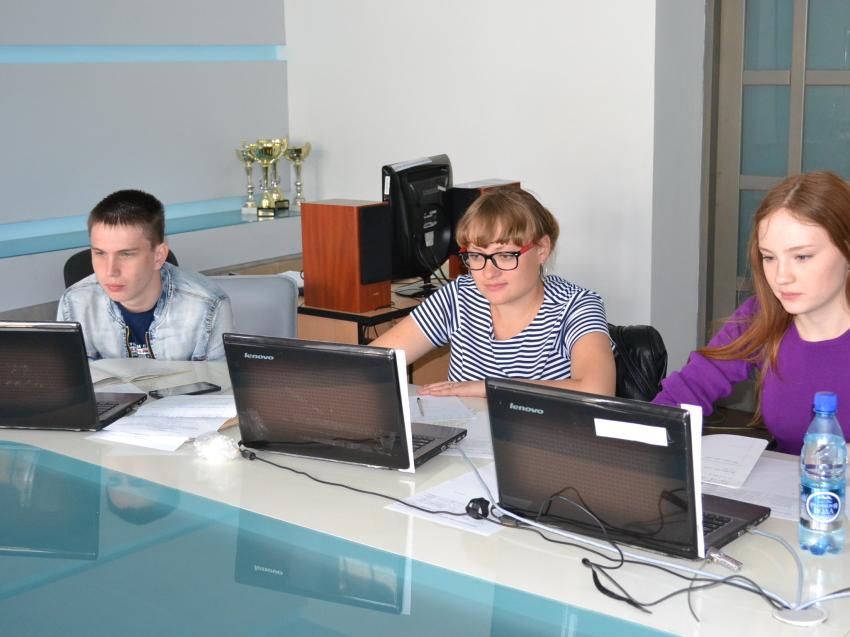 Впервые 490 выпускников школ Забайкалья попробовали сдать экзамен по информатике в новой форме