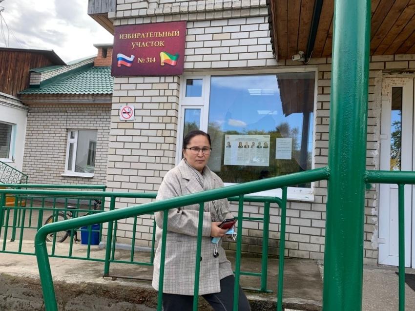 Татьяна Цымпилова проголосовала в первый день выборов