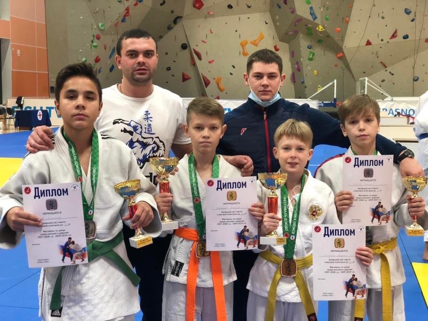 Дзюдоисты спортивного клуба «Спарта» завоевали золото и серебро в Красноярске