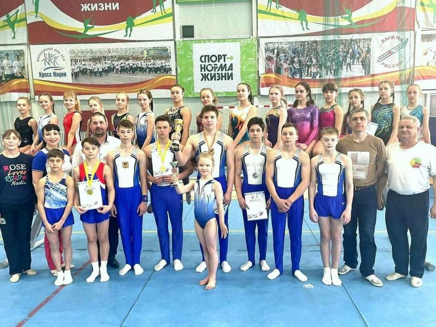 Восемнадцать медалей завоевали гимнасты Забайкалья в Благовещенске