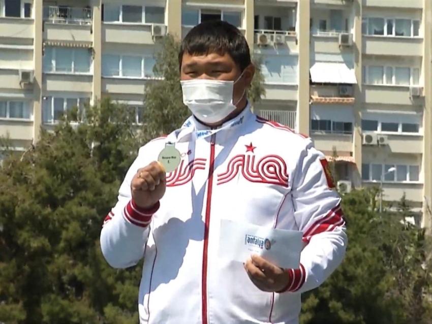 Забайкальский лучник Галсан Базаржапов завоевал золото Гран-при Европы