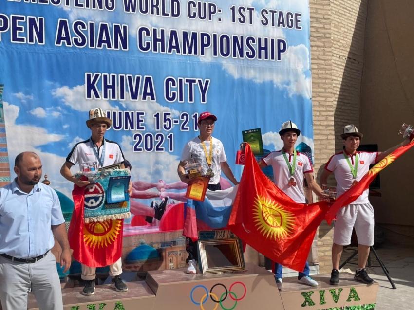 Впервые в истории Забайкальского спорта Дмитрий Неустроев стал обладателем кубка мира по мас - рестлингу