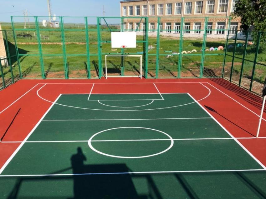 В Забайкальском районе завершилось строительство спортивной площадки