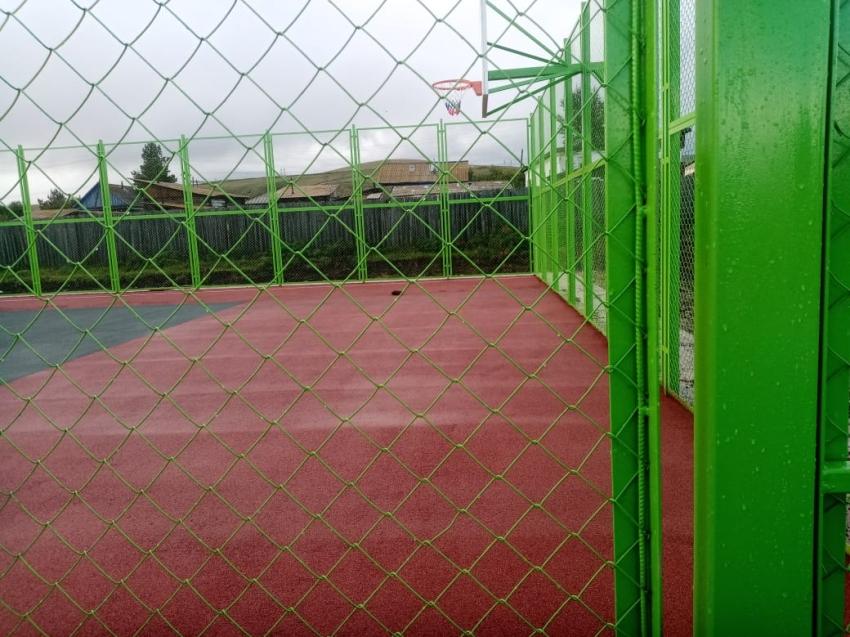 Универсальная спортивная площадка введена в эксплуатацию в Балейском районе