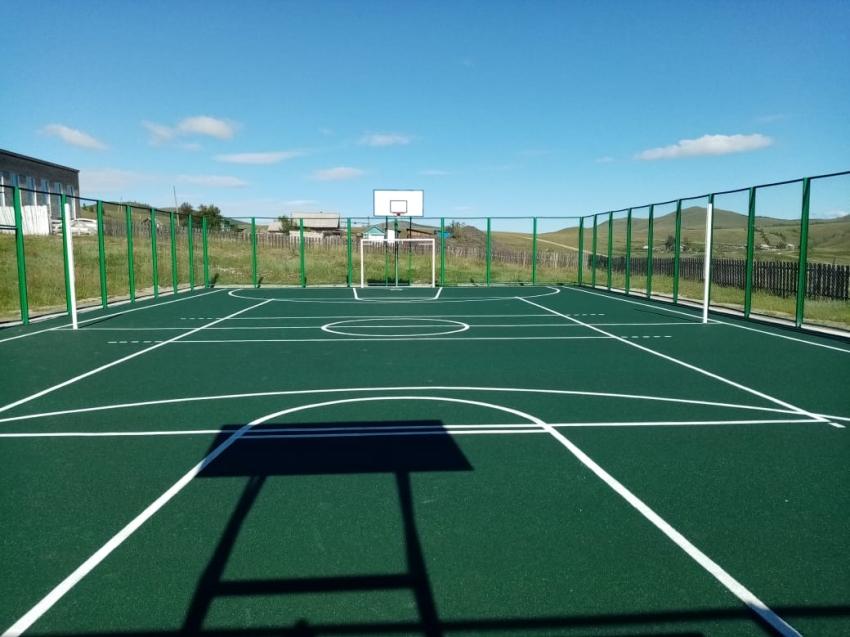 Игровая спортивная площадка построена в Чернышевском районе